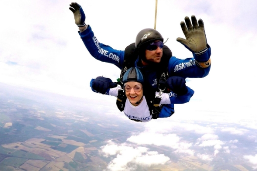 Maria Mason MFHT takes part in charity skydive