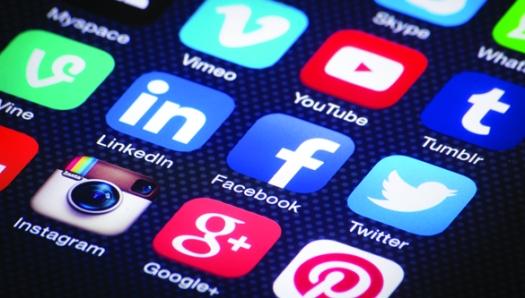 Social media shutterstock_186292982 low res