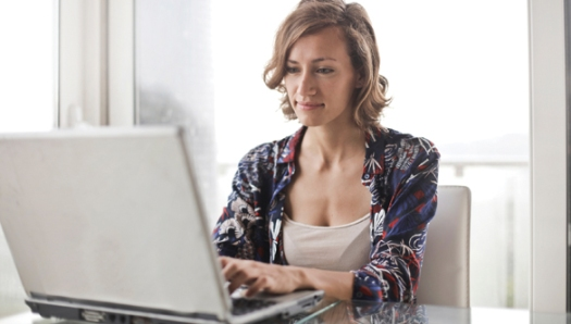 Woman on laptop_Pexels