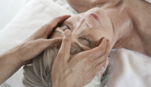 Head massage_shutterstock_110942114