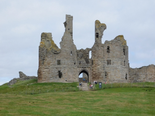1 castle Northumberland_low_res.jpg